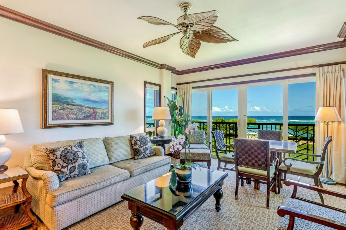 G302 Living Room Oceanfront
