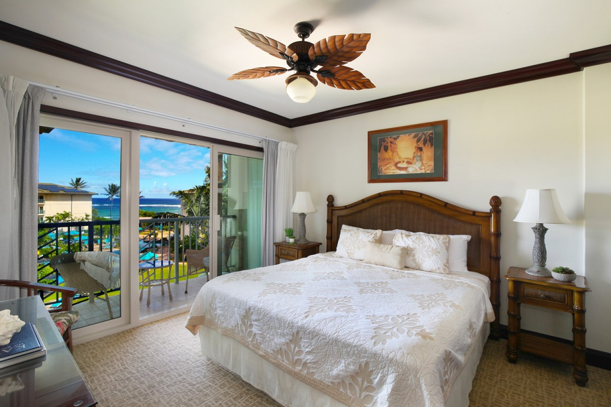 E404 Master Bedroom Ocean and Pool View
